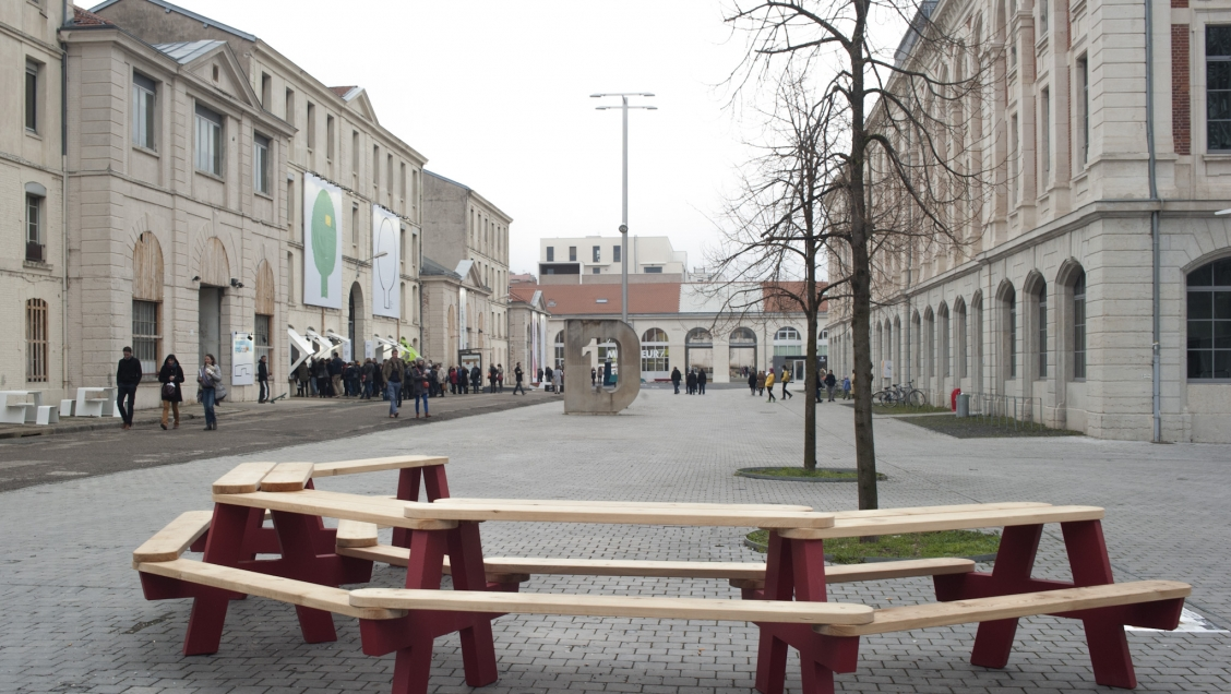 Biennale internationale design saint tienne 2015 - Mobilier jardin d ulysse saint etienne ...